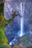 Frente a la cascada de Gujuli  (2)- @E.Ortiz